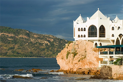 Showing slide 8 of 29 in image gallery, Mazatlan