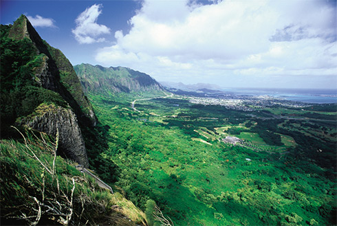 Showing slide 5 of 24 in image gallery, Oahu mountains and valley