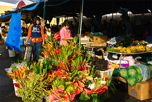 Showing slide 9 of 23 in image gallery, Market with flowers, Kona, Hawaii