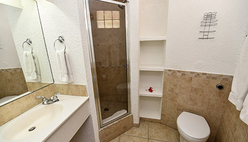 Showing slide 3 of 3 in image gallery, Standard room bathroom