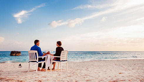 Showing slide 4 of 8 in image gallery, Romantic dinner