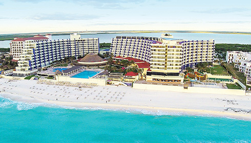 Showing Crown Paradise Club Cancun feature image