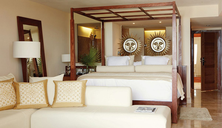 Image showcasing Junior Suite Pool/Spa View