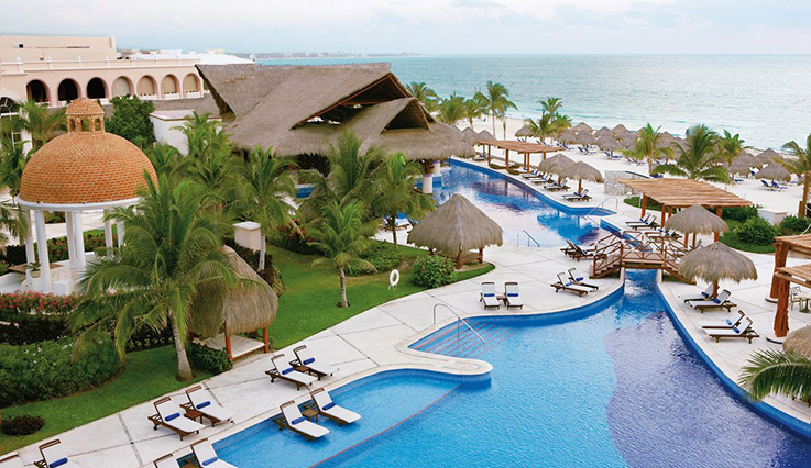 Showing Excellence Riviera Cancun feature image