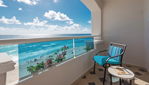 Showing slide 4 of 4 in image gallery showcasing Junior Suite Oceanfront
