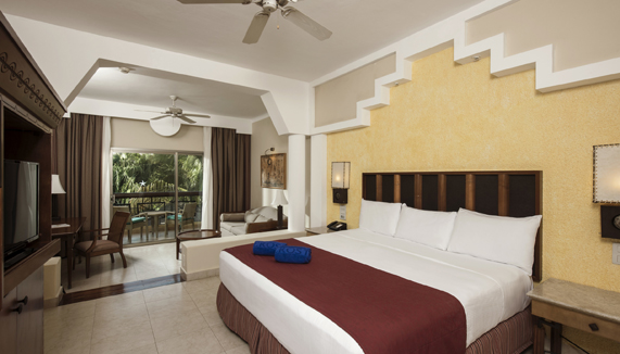 Image showcasing Junior Suite Pool View