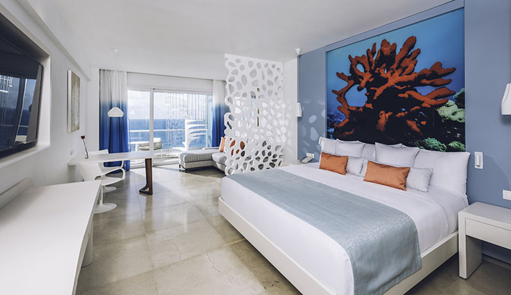 Image showcasing Junior Suite Rooftop Ocean Front