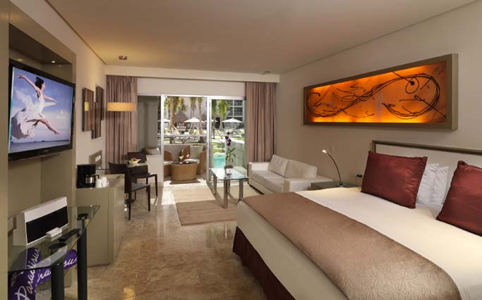 Image showcasing Paradisus Junior Suite Swim up