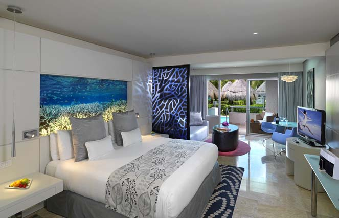 Image showcasing Royal Service Paradisus Junior Suite Swim Up