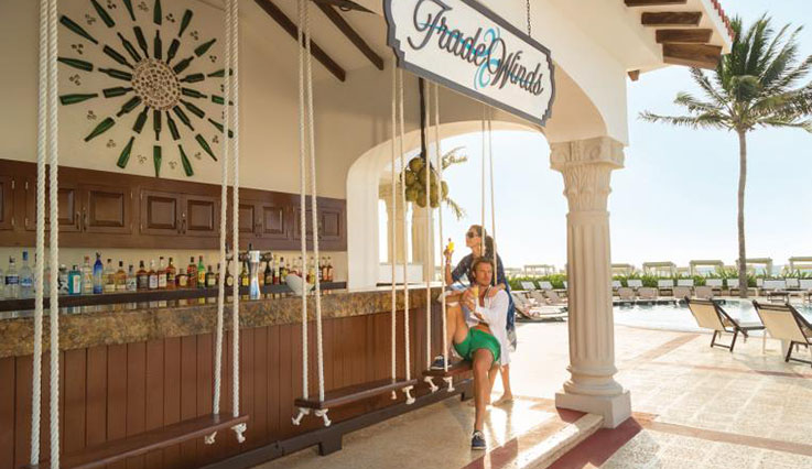 Trade Winds bar