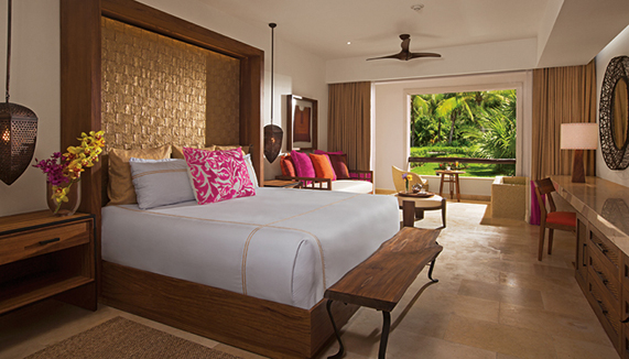 Showing slide 1 of 2 in image gallery showcasing Junior Suite Tropical View