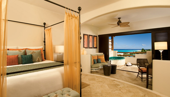 Showing slide 2 of 3 in image gallery showcasing Preferred Club Junior Suite Ocean Front