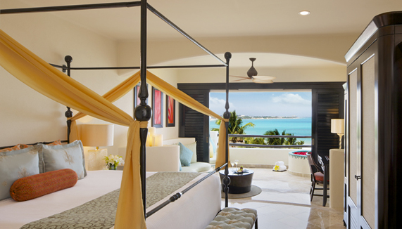 Showing slide 1 of 3 in image gallery, Preferred Club Junior Suite Ocean View Doubles
