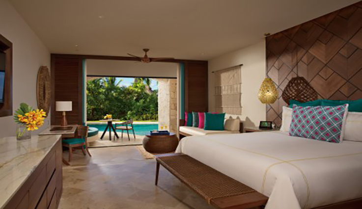 Image showcasing Preferred Club Junior Suite Swim-up