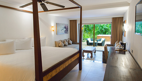 Showing slide 4 of 5 in image gallery, Hacienda Junior Suite Royal Elite Haciendas view