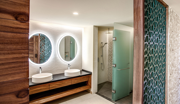 Showing slide 2 of 2 in image gallery, Oceanfront Family King Suite - Bathroom