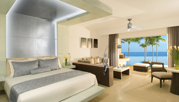 Showing slide 1 of 2 in image gallery, Preferred Club Junior Suite Ocean Front Swim Out