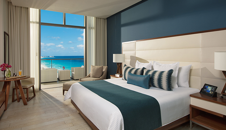 Showing slide 1 of 3 in image gallery, Deluxe Room Ocean View - King