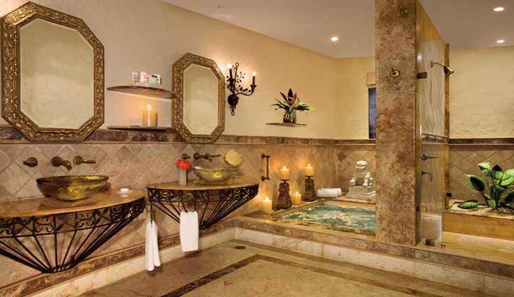 Showing slide 4 of 4 in image gallery, Ocean Front 1 Bedroom Suite with Terrace - Bathroom