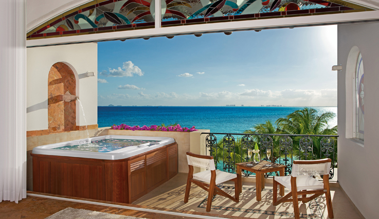 Showing slide 2 of 3 in image gallery, Junior Suite Oceanfront - Terrace