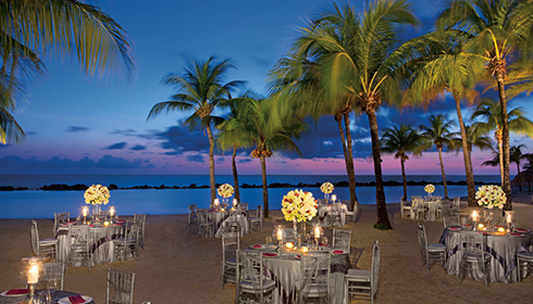 Event dinner on the beach
