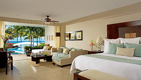 Showing slide 1 of 2 in image gallery, Preferred Club Junior Suite Swim-Up Ocean View