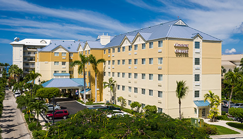 Showing Comfort Suites Saven Mile Beach feature image