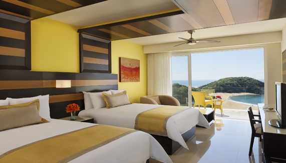 Showing slide 2 of 2 in image gallery, Junior Suite Ocean Front - Double