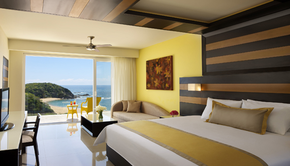 Showing slide 1 of 2 in image gallery, Junior Suite Ocean Front - King