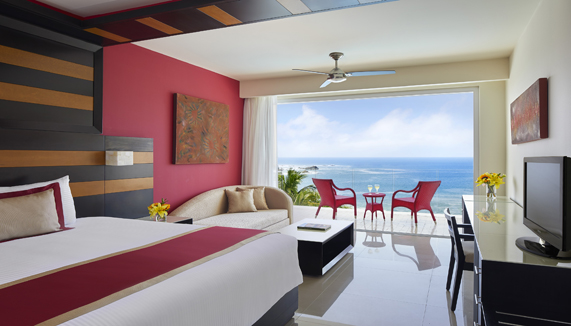 Showing slide 1 of 3 in image gallery, Preferred Junior Suite Ocean Front - King