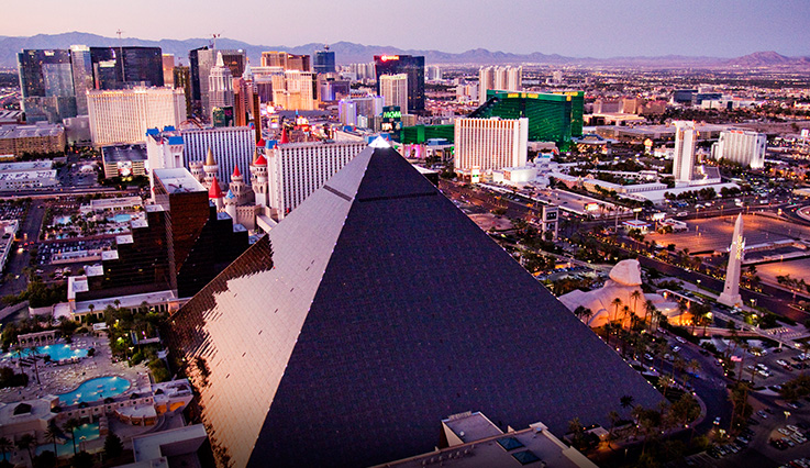 Showing Luxor Hotel and Casino feature image