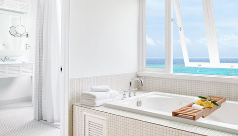 One Bedroom Ocean Suite Bathroom