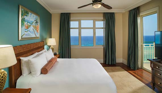 Showing slide 1 of 2 in image gallery, Ocean Front Junior Suite king
