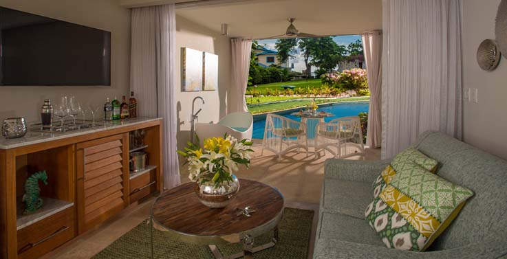 Image showcasing Crystal Lagoon Swim-up One-Bedroom Butler Suite with Patio Tranquility Soaking Tub (S1B)