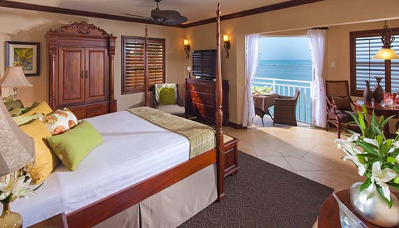 Image showcasing Kensington Cove Honeymoon Beachfront Club Level (HB)