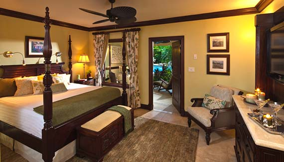 Image showcasing Swim up Crystal Lagoon Honeymoon Butler Suite (WS)