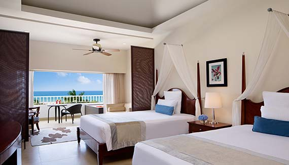 Image showcasing Preferred Club Junior suite Oceanview swimout