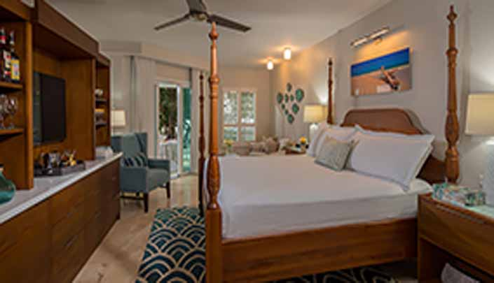 Image showcasing Italian Beachfront Club Level Walkout Honeymoon Suite with Tranquility Soaking Tub (IVWS)