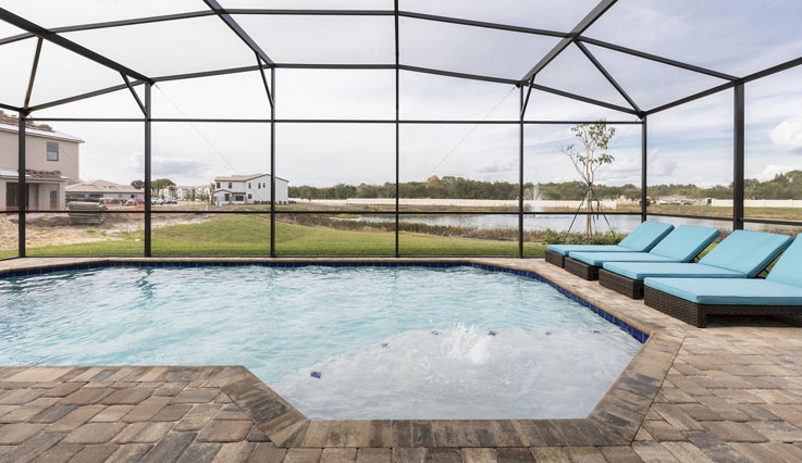 Showing slide 4 of 4 in image gallery, 3 Bedroom Home Pool