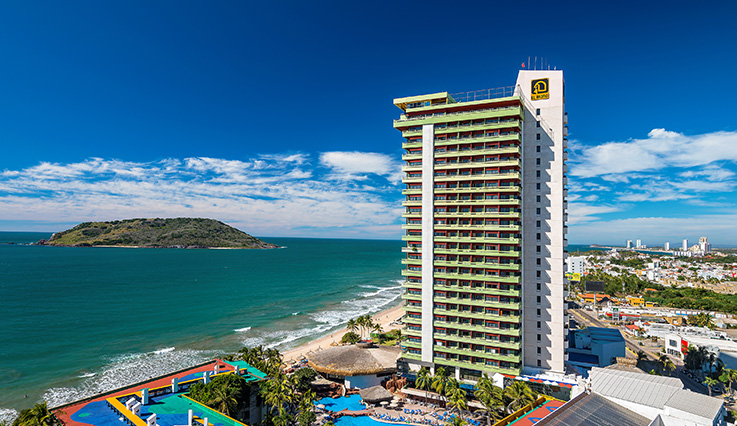 Showing El Cid El Moro Beach Mazatlan feature image