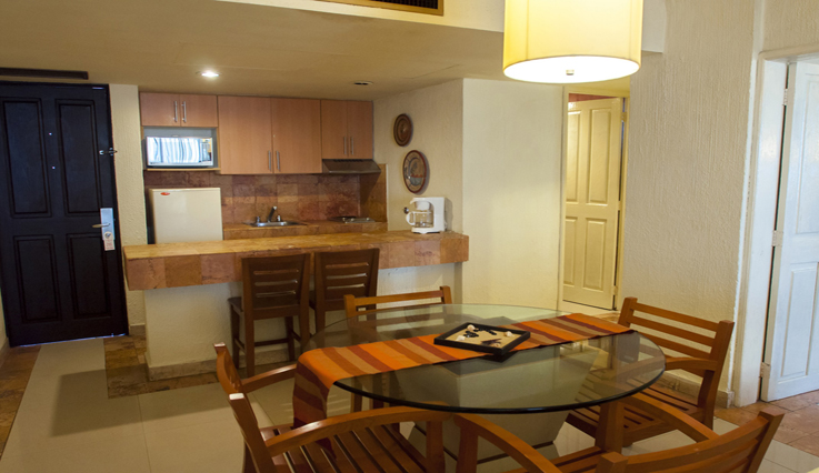 Showing slide 4 of 4 in image gallery, 1 Bedroom Suite w/ Kitchenette - Kitchenette area