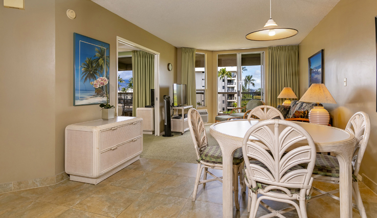 Showing slide 6 of 7 in image gallery showcasing 2 Bedroom Partial Ocean View