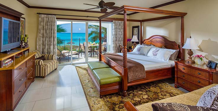 Image showcasing Italian Oceanfront Concierge Family Suite with Kids Room (D2)