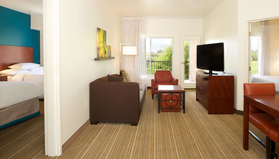 Showing slide 2 of 4 in image gallery showcasing Double Double 2 Bedroom Suite