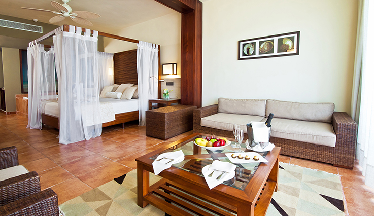 Showing slide 1 of 2 in image gallery showcasing Privileged Deluxe Honeymoon Junior Suite