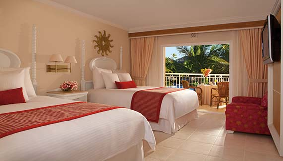 Image showcasing Deluxe Family Room Tropical or Pool View