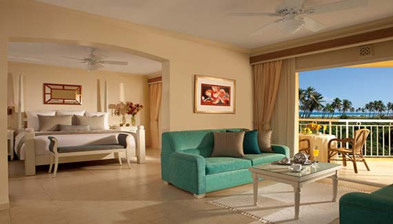 Image showcasing Preferred Club Honeymoon Suite
