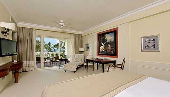 Showing slide 1 of 2 in image gallery showcasing Seaview Suite