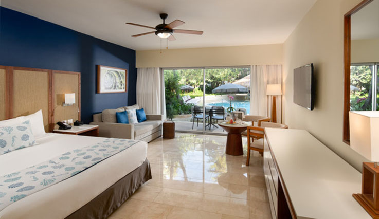 Image showcasing Junior Suite Premium Pool View