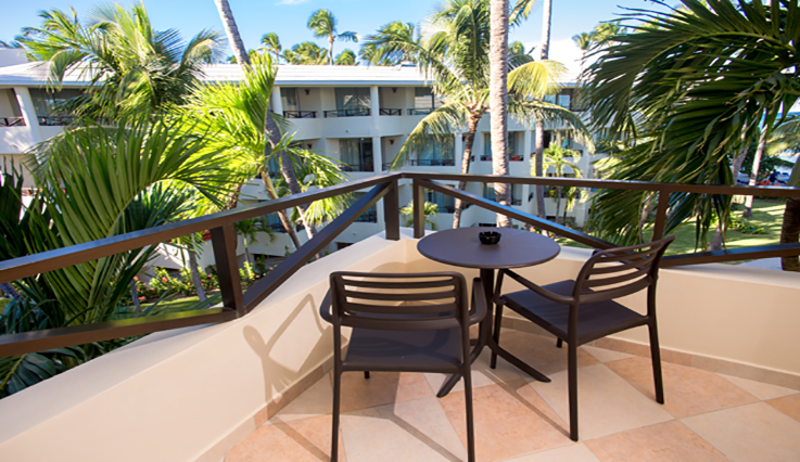 Showing slide 2 of 3 in image gallery showcasing Junior Suite Premium Tropical View Jacuzzi
